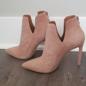 Killer nude leather booties